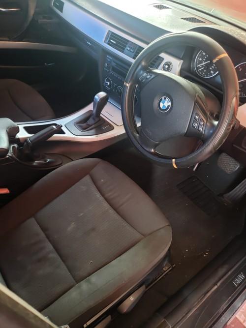 2009 BMW 318i