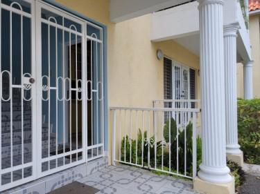 2 Bedrooms Apartment  - Kingston