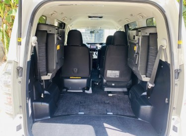 2012 Toyota Voxy XS